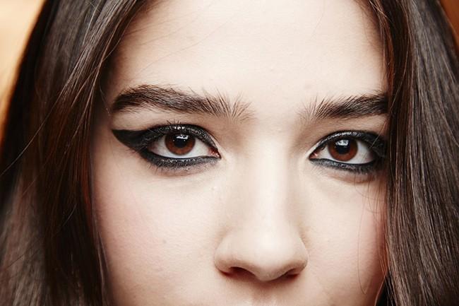 7 lỗi makeup cơ bản mà nhiều chị em dù biết vẫn rất hay mắc phải, khiến cho gương mặt trở nên kém hoàn hảo - Ảnh 5.