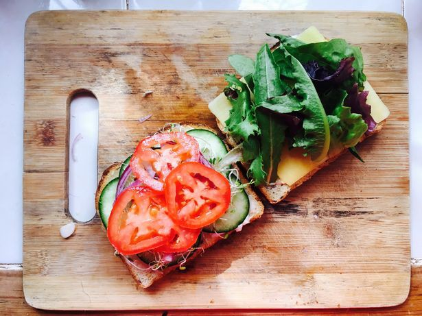 Cà chua thực sự tốt đến đâu và ăn thế nào mới tốt, bao nhiêu là đủ? Đây là câu trả lời mà không phải ai cũng biết  - Ảnh 3.