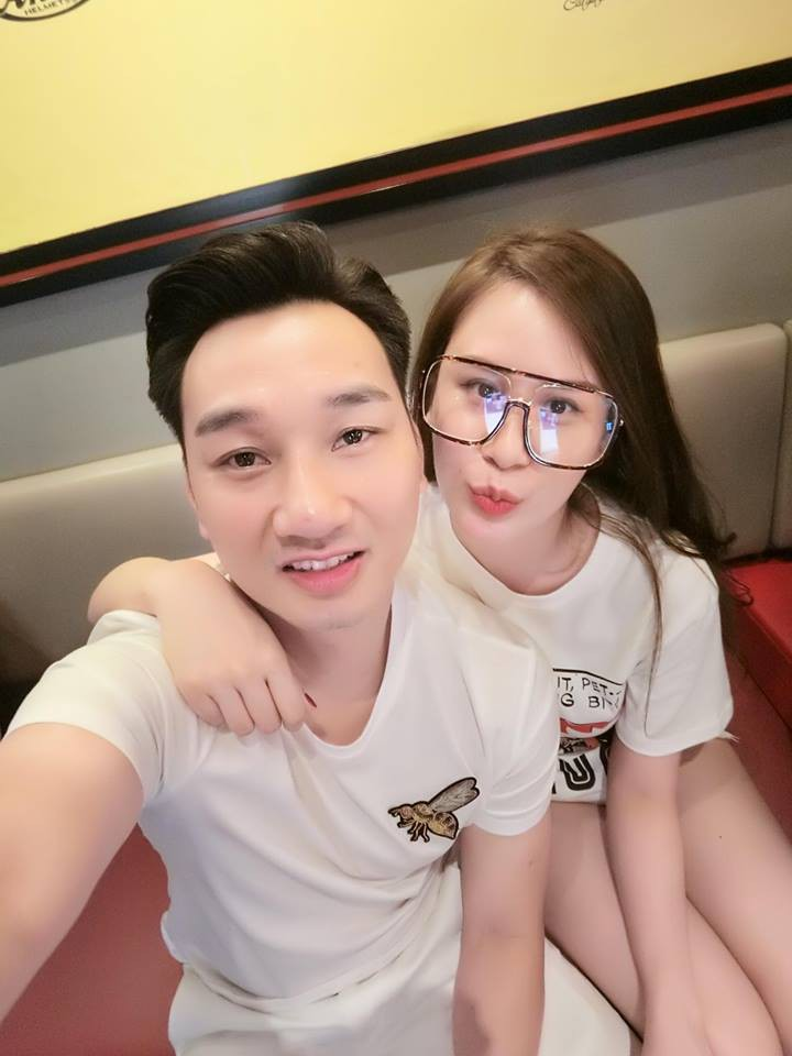 Vợ 2 của MC Thành Trung nghỉ việc tiếp viên hàng không, ngày càng xinh đẹp, sang chảnh sau 1 năm kết hôn - Ảnh 4.