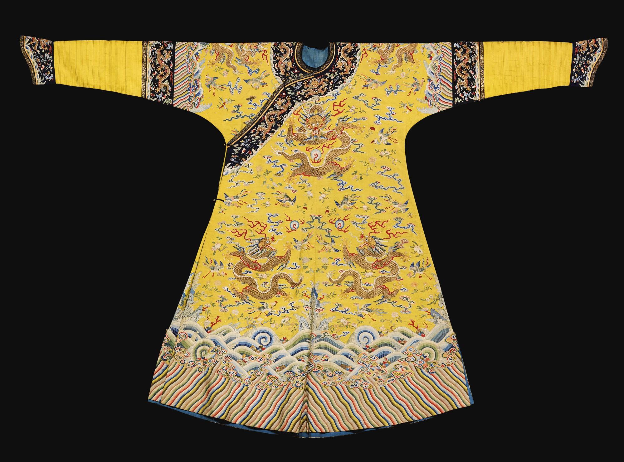 Trang phục Diên Hi Công Lược bị nói là làm lố, nhưng quả thực chúng lại rất sát với nguyên mẫu trong lịch sử - Ảnh 3.