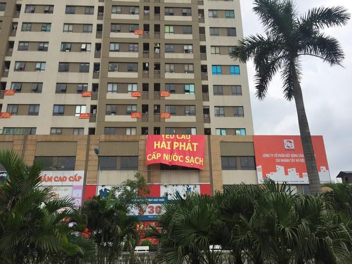 Hà Nội: Cư dân chung cư phát ngán vì nước sinh hoạt đen tựa màu cafe - Ảnh 2.