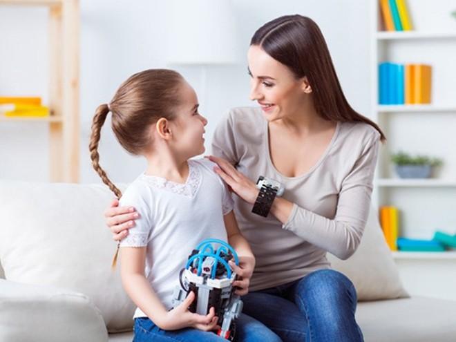 Ai cũng biết trẻ con thường xuyên mắc lỗi, nhưng không phải bố mẹ nào cũng hiểu nên xử trí ra sao mới hợp lý - Ảnh 3.