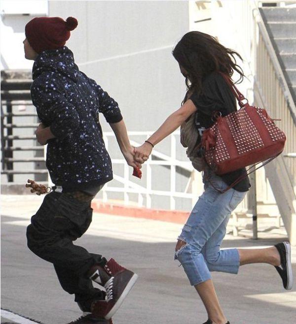 Từ Selena đến Hailey, người thương có thể đổi chứ quần tụt lộ mông sẽ mãi trường tồn cùng Justin Bieber - Ảnh 6.