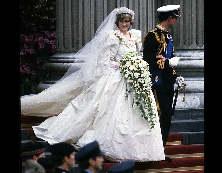Không phải Meghan, Công nương Diana mới chính là nàng dâu liên tục phá vỡ quy tắc hoàng gia, đến Nữ hoàng Anh cũng phải nhượng bộ - Ảnh 2.