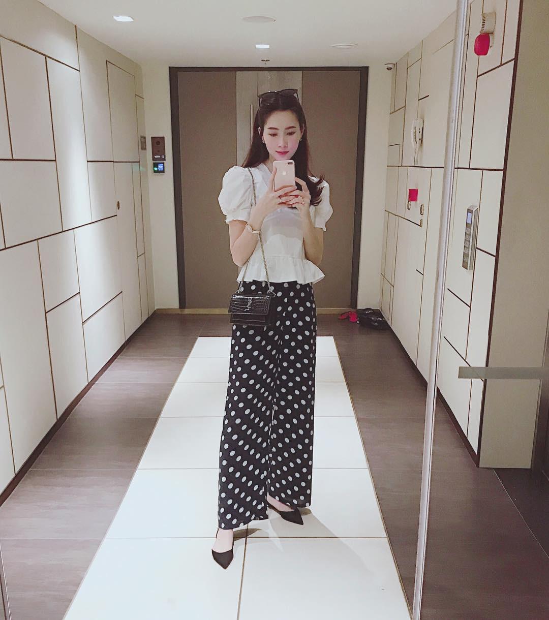 Thu Thảo đăng ảnh mới, nhưng fan lại để ý đến chiếc quần mà cô đã từng mặc cách đây 1 tháng  - Ảnh 1.