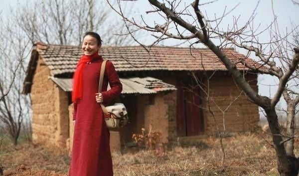 Yêu thích cuộc sống tĩnh lặng trên núi, cô gái 23 tuổi tự tay dựng ngôi nhà nhỏ, trồng rau, sống an nhàn những ngày thanh xuân - Ảnh 7.