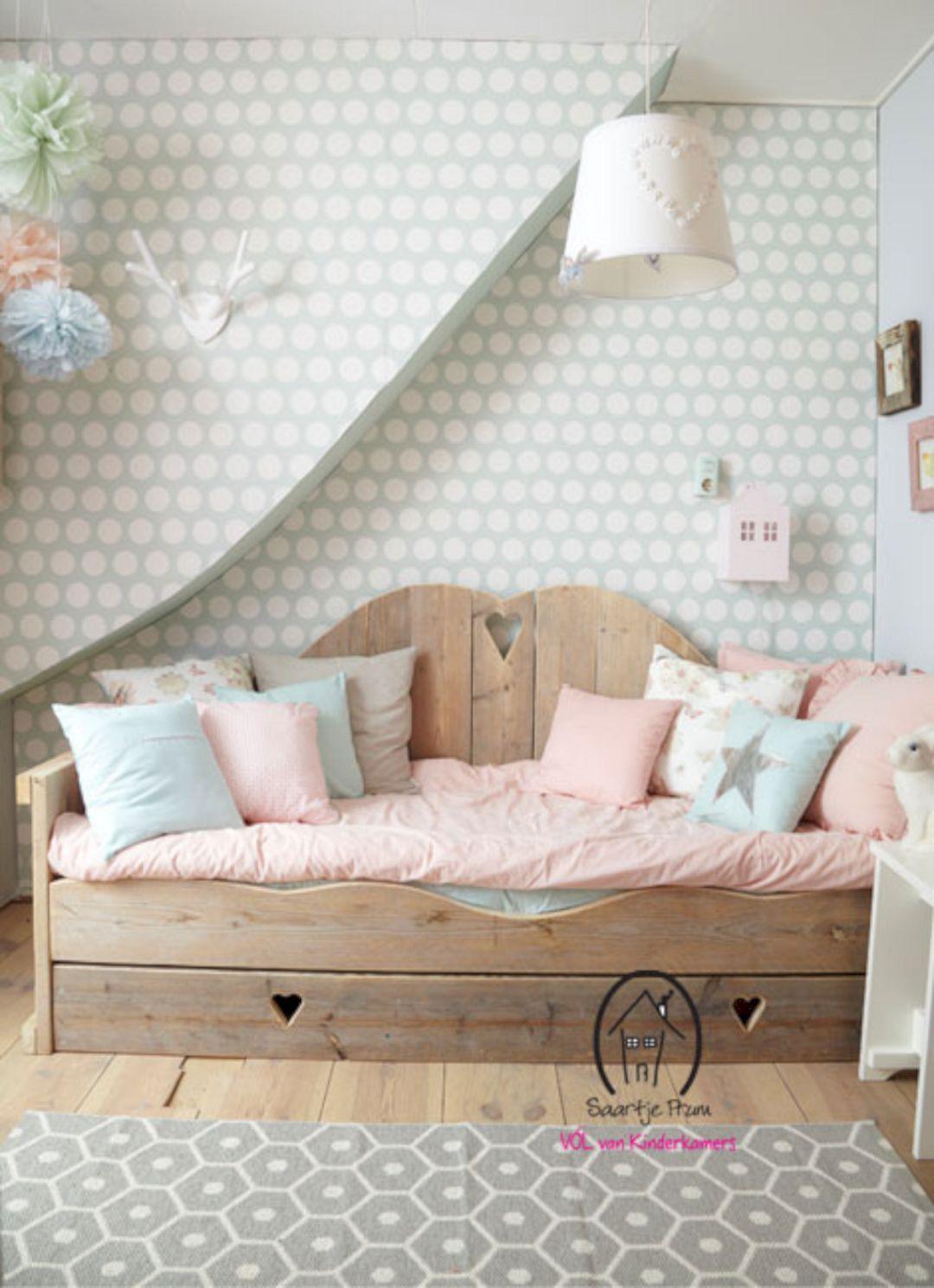 Thiết kế phòng ngủ cho bé gái dễ thương như trong cổ tích làm các bậc phụ huynh phải học tập tức thì - Ảnh 2.