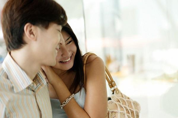 Đêm tân hôn, chồng bắt tôi phải quỳ lạy một người mà tôi không bao giờ nghĩ tới - ảnh 1