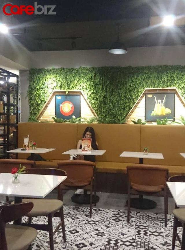 Bên trong quán cafe King Coffee của vợ vua cà phê Trung Nguyên có gì? - Ảnh 3.