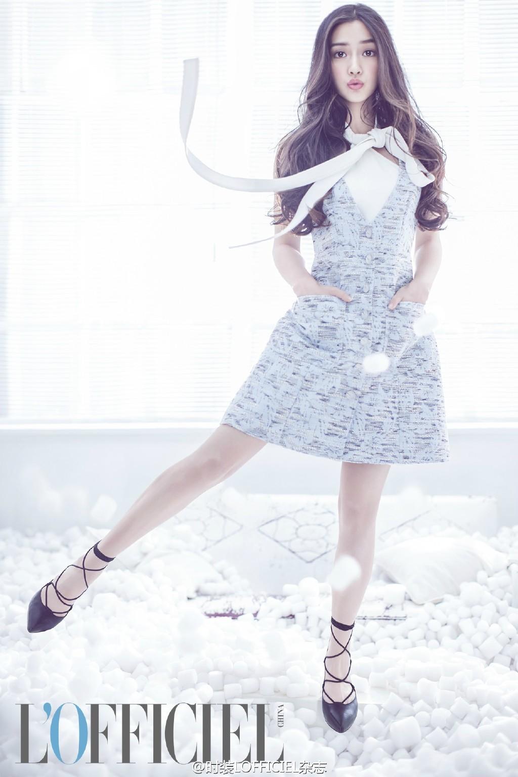 """Park Min Young diện váy trắng tung tăng trên phố, nhưng bí mật phía sau và cuộc """"đụng độ"""" với Angela Baby thì không phải ai cũng biết - Ảnh 6."""