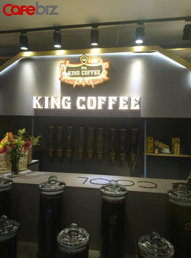 Bên trong quán cafe King Coffee của vợ vua cà phê Trung Nguyên có gì? - Ảnh 7.