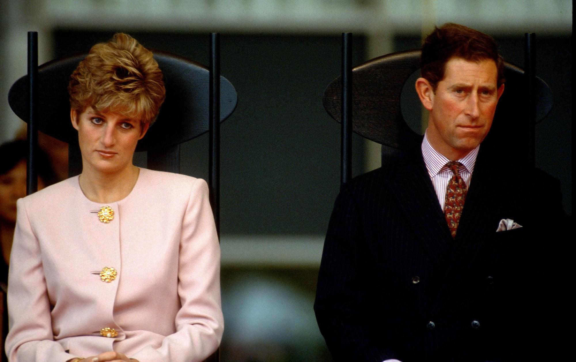 5 lần tự sát không thành của Công nương Diana, ngay cả khi đang mang thai và thái độ dửng dưng của Thái tử Charles - Ảnh 3.