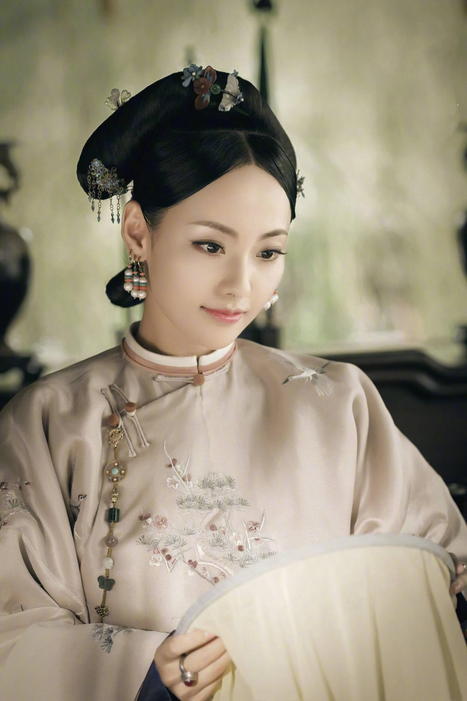 Nhan sắc cùng phong cách ngoài đời thực của 6 nàng Phi tần trong phim Diên hi công lược - Ảnh 24.