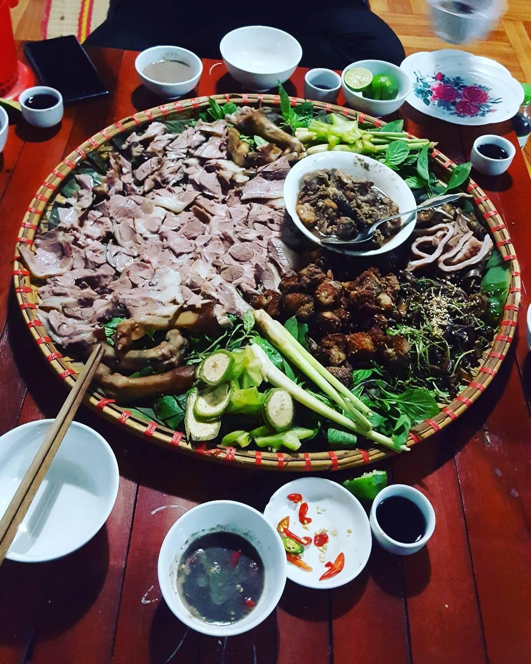 6 đặc sản Việt khiến khách Tây xanh mặt trên đường khám phá ẩm thực - Ảnh 3.