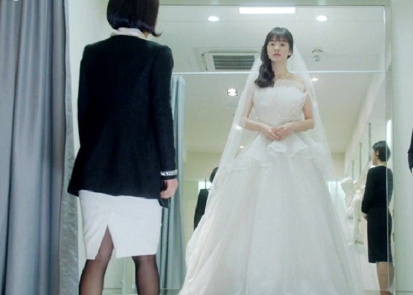 Đi thử váy cưới, bất ngờ gặp lại người yêu cũ và sự thật rụng rời khiến cô dâu lập tức hủy hôn - Ảnh 1.