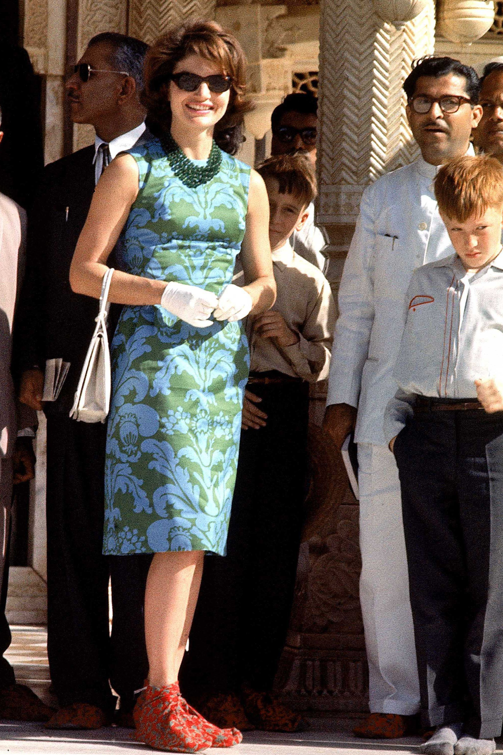 hbz-jackie-kennedy-1962-gettyimages-50336481-1532026939