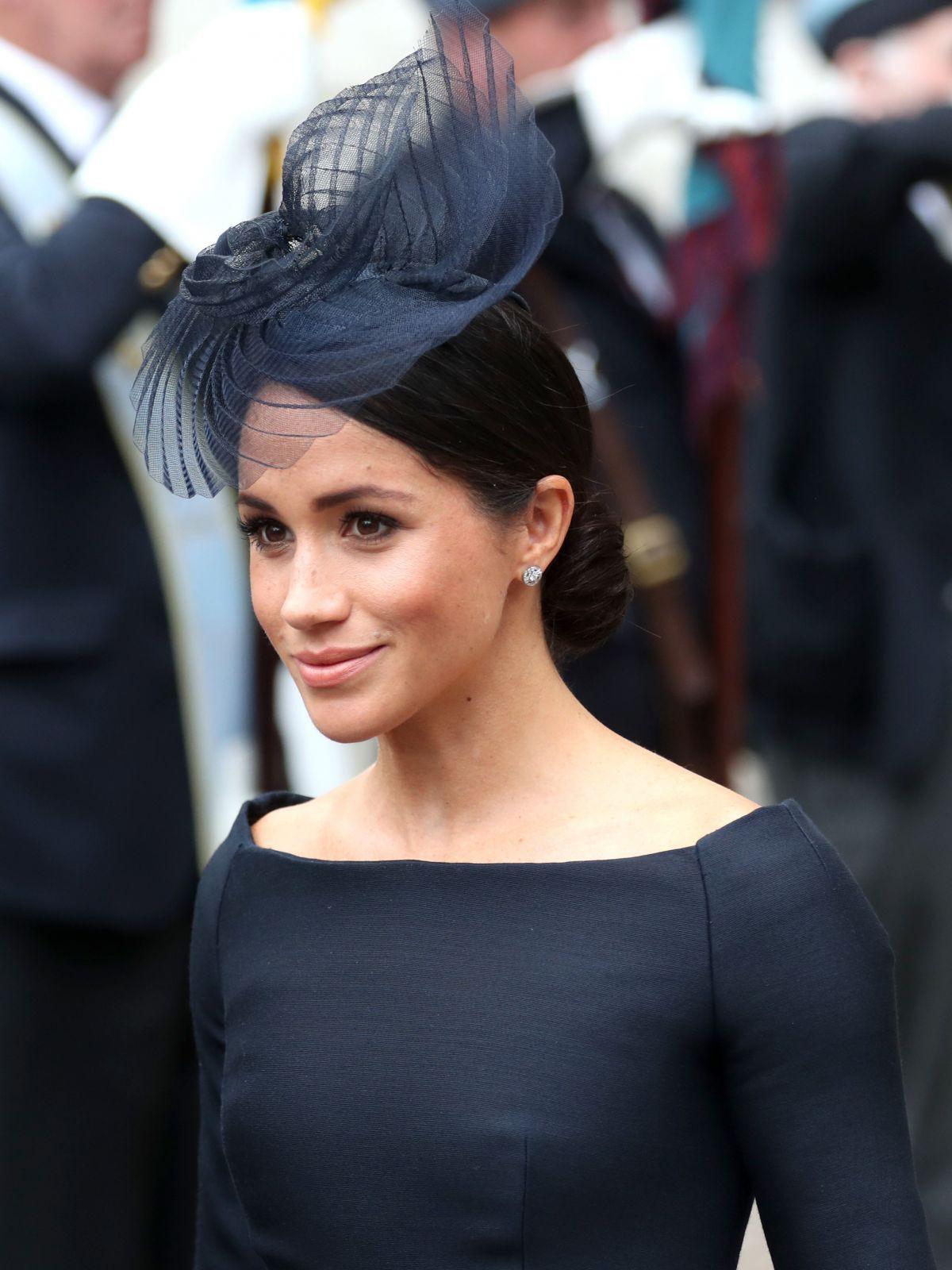 Ít ai biết rằng sau đám cưới, Hoàng tử Harry đã liên tục nói điều này với chuyên gia trang điểm của Meghan Markle - Ảnh 4.