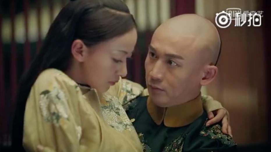 Fan Hoàng hậu Tần Lam nhất định không được xem: Hoàng đế đặt Anh Lạc ngồi trên đùi sau đó ôm hôn  - Ảnh 6.