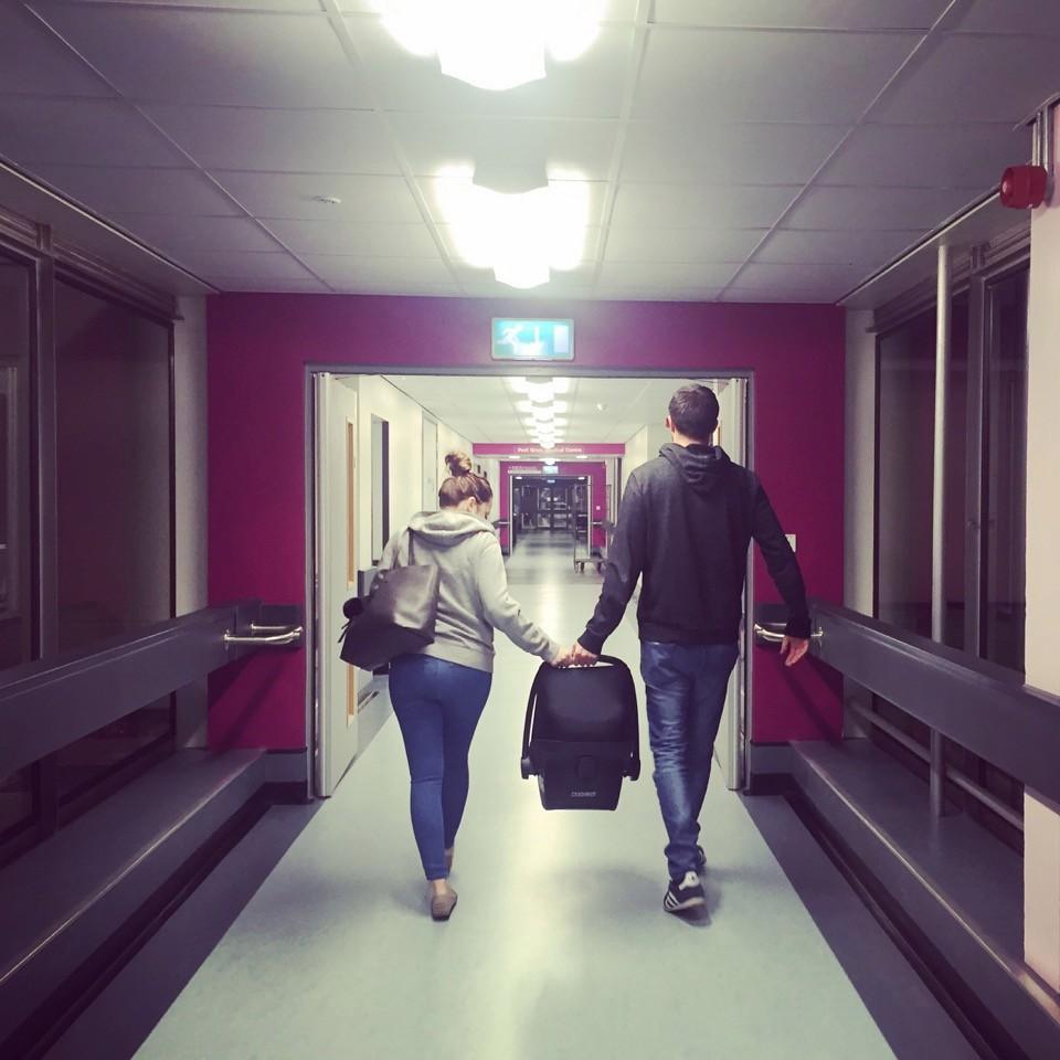 Hàng tháng vẫn có kinh nguyệt, bà mẹ 24 tuổi ngỡ ngàng phát hiện mình mang thai chỉ vài tiếng trước khi sinh con - Ảnh 8.