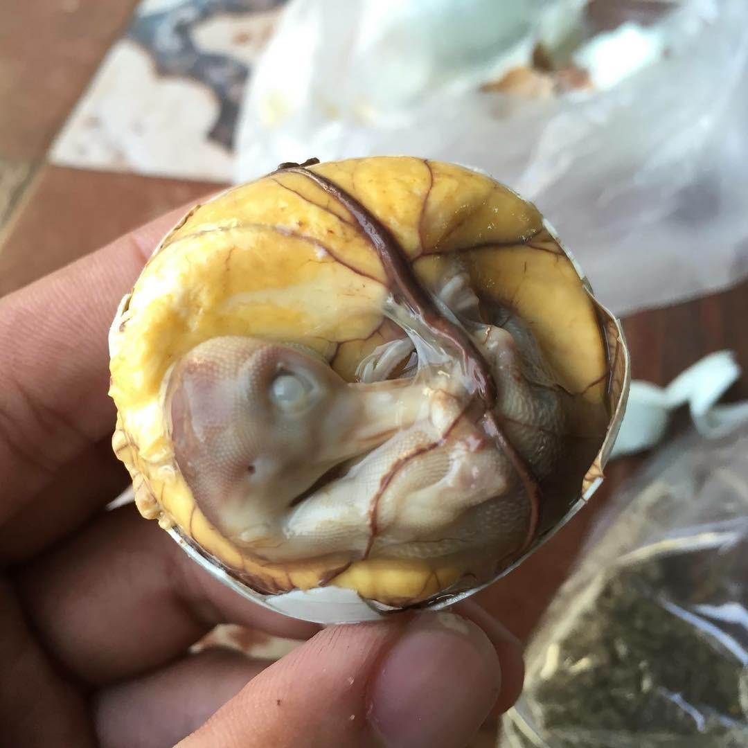 6 đặc sản Việt khiến khách Tây xanh mặt trên đường khám phá ẩm thực - Ảnh 7.