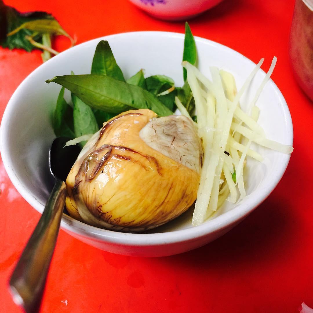 6 đặc sản Việt khiến khách Tây xanh mặt trên đường khám phá ẩm thực - Ảnh 8.