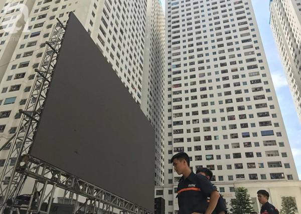 Chơi trội, chung cư vạn dân HH Linh Đàm lại dựng màn LED 32 mét vuông tiếp lửa cho Olympic Việt Nam   - Ảnh 7.