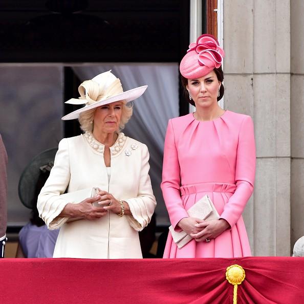 Lần đầu tiên hé lộ nguyên do bà Camilla bằng mặt nhưng không bằng lòng với con dâu Kate, từng tìm cách chia rẽ cô với William - Ảnh 3.