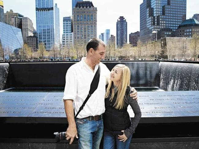Chuyện về bức ảnh trong đống đổ nát ngày khủng bố Mỹ 11/9 và hành trình 15 năm đi tìm điều kỳ diệu của vị nhiếp ảnh gia người Úc - Ảnh 6.