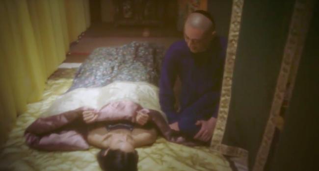 Những ca thị tẩm nhạy cảm ở Như Ý truyện: Rạn bụng sau sinh thì bị chê bai, 3 năm ròng chỉ ăn mặc hở hang quỳ ở chân giường - Ảnh 6.