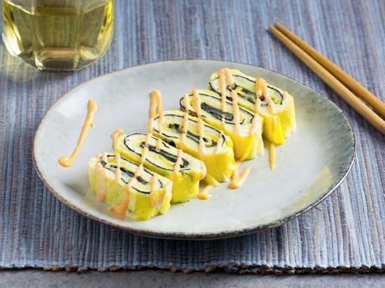 Món trứng cuộn tưởng dễ nhưng để làm ngon đẹp như nhà hàng thì không phải mẹ nào cũng biết - Ảnh 10.