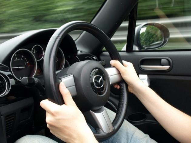 mazda-drivers-jerk-steering-wheels-630x473-1536770611107136217017.jpg
