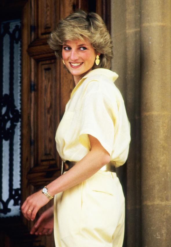 13 năm sau khi lấy Thái tử, bà Camilla chưa một lần được gọi là Công nương, cũng không được thừa kế tước vị từ Công nương Diana quá cố - Ảnh 3.