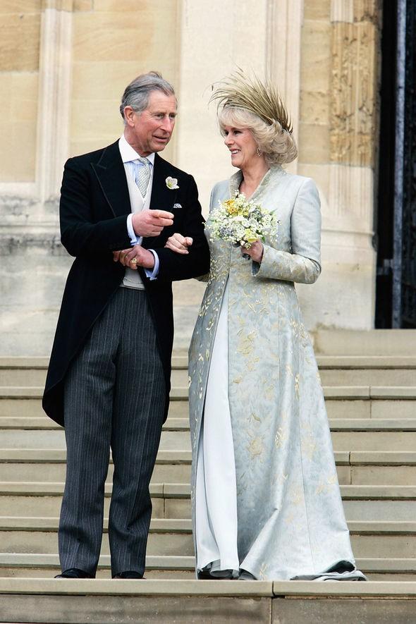 13 năm sau khi lấy Thái tử, bà Camilla chưa một lần được gọi là Công nương, cũng không được thừa kế tước vị từ Công nương Diana quá cố - Ảnh 4.