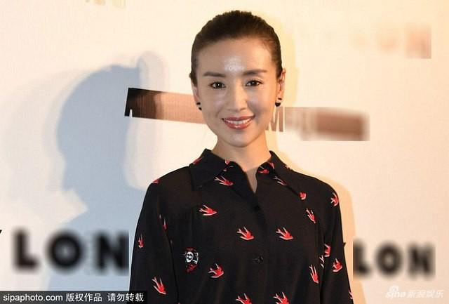 Cùng là Phú Sát Hoàng hậu,  thế nhưng nhan sắc của Tần Lam được ngợi khen không ngớt thì Đổng Khiết lại suốt ngày bị chê già, xuống sắc - Ảnh 8.