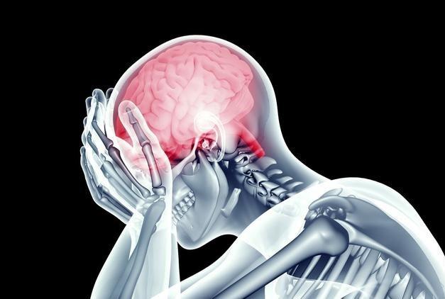 Người đàn ông máu não, liệt nửa người khi đang ở tuổi sung sức chỉ vì thói quen hàng triệu người mắc - Ảnh 1.