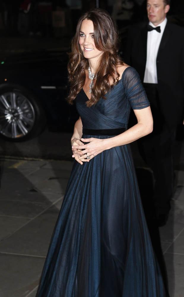 """Lần đầu hé lộ thông tin Công nương Kate từng bị mẹ chồng Camilla """"bắt bẻ"""", yêu cầu cắt đi mái tóc dài tuyệt đẹp vì lý do này - Ảnh 1."""