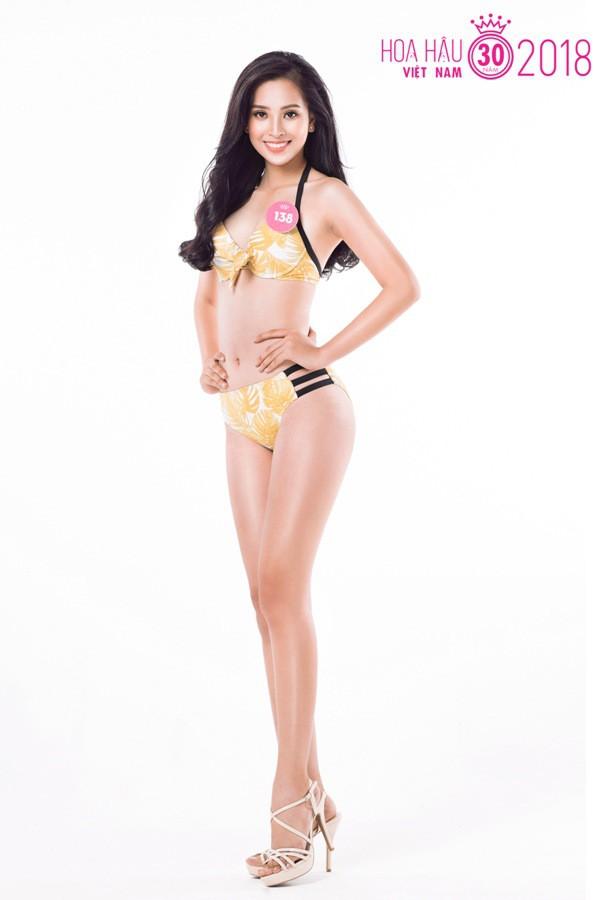 Sự thật về đôi giày mà Trần Tiểu Vy cứ diện đi diện lại khi tham dự Hoa hậu Việt Nam - Ảnh 2.