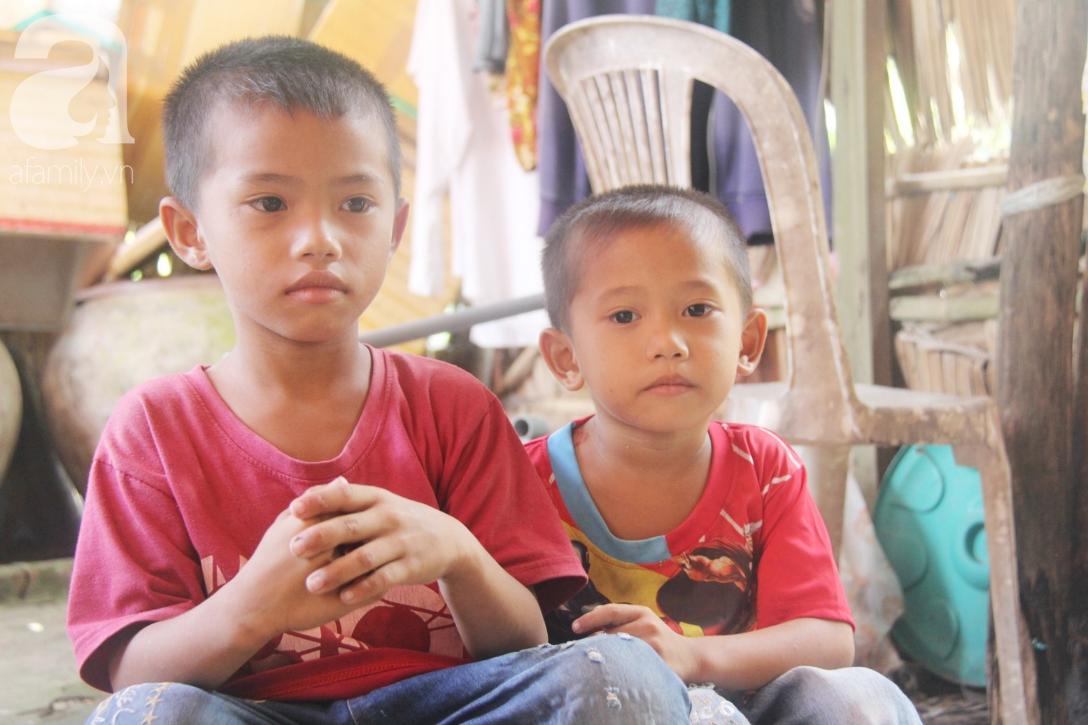 Mẹ bỏ đi lấy chồng, hai đứa trẻ 4 và 7 tuổi không được đi học, phải vào viện chăm cha bệnh tật - Ảnh 9.