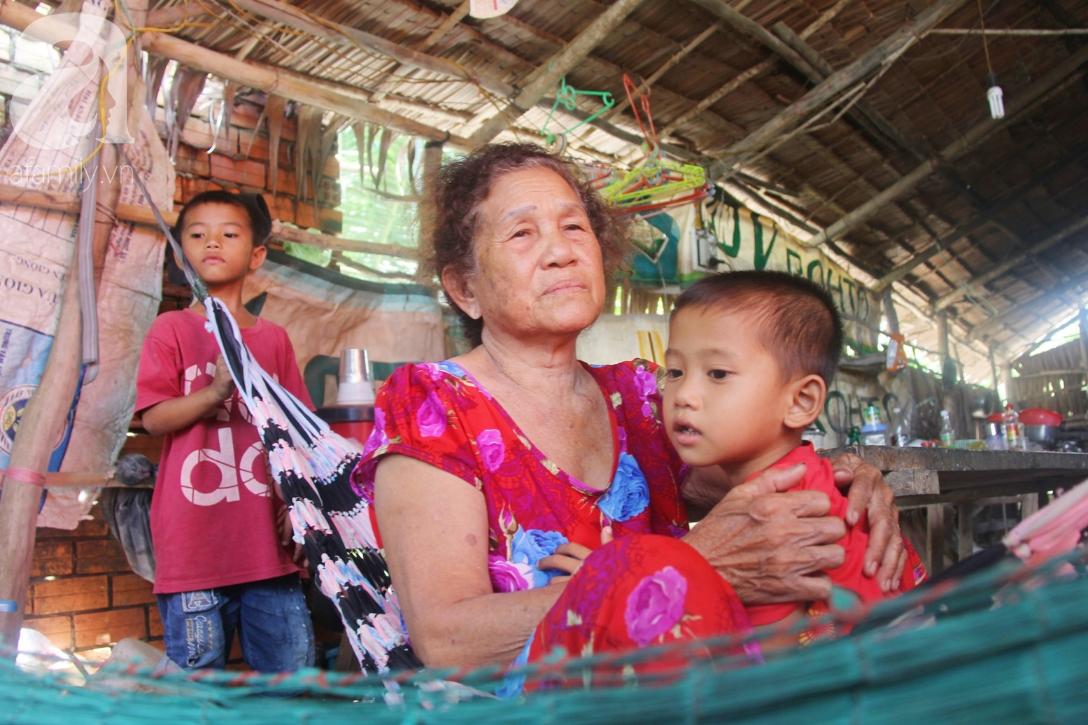 Mẹ bỏ đi lấy chồng, hai đứa trẻ 4 và 7 tuổi không được đi học, phải vào viện chăm cha bệnh tật - Ảnh 4.