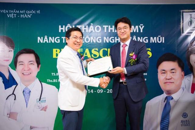 Chuyên gia Hàn, Việt giới thiệu công nghệ nâng mũi Bio Fascia Plus - Ảnh 7.