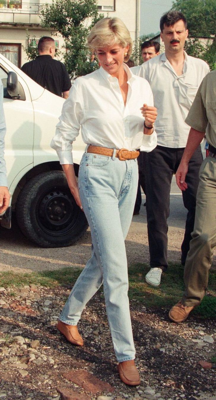hrh-the-princess-of-wales-princess-diana-in-bosnia-9th-august-1997-2