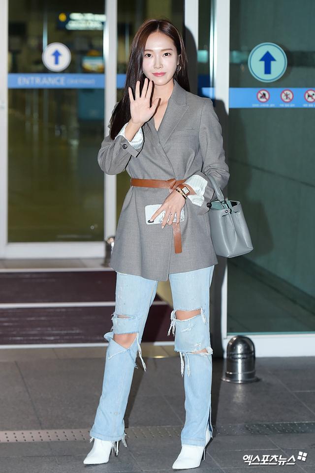 2018 chắc là năm Jessica Jung rơi vào hố đen thời trang khi cứ thường xuyên lọt top mặc xấu trong mắt các netizen - Ảnh 1.