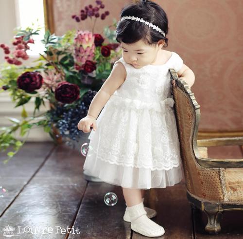Lộ diện hình ảnh hiếm hoi của tiểu công chúa nhà cặp đôi bị ghét nhất Hàn Quốc Lee Dong Gun - Jo Yoon Hee - Ảnh 1.