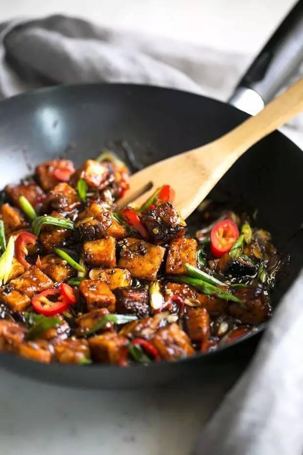 Đây là 4 thói quen xấu phải được loại bỏ ngay trong nấu ăn nếu bạn không muốn rước bệnh vào thân - Ảnh 1.