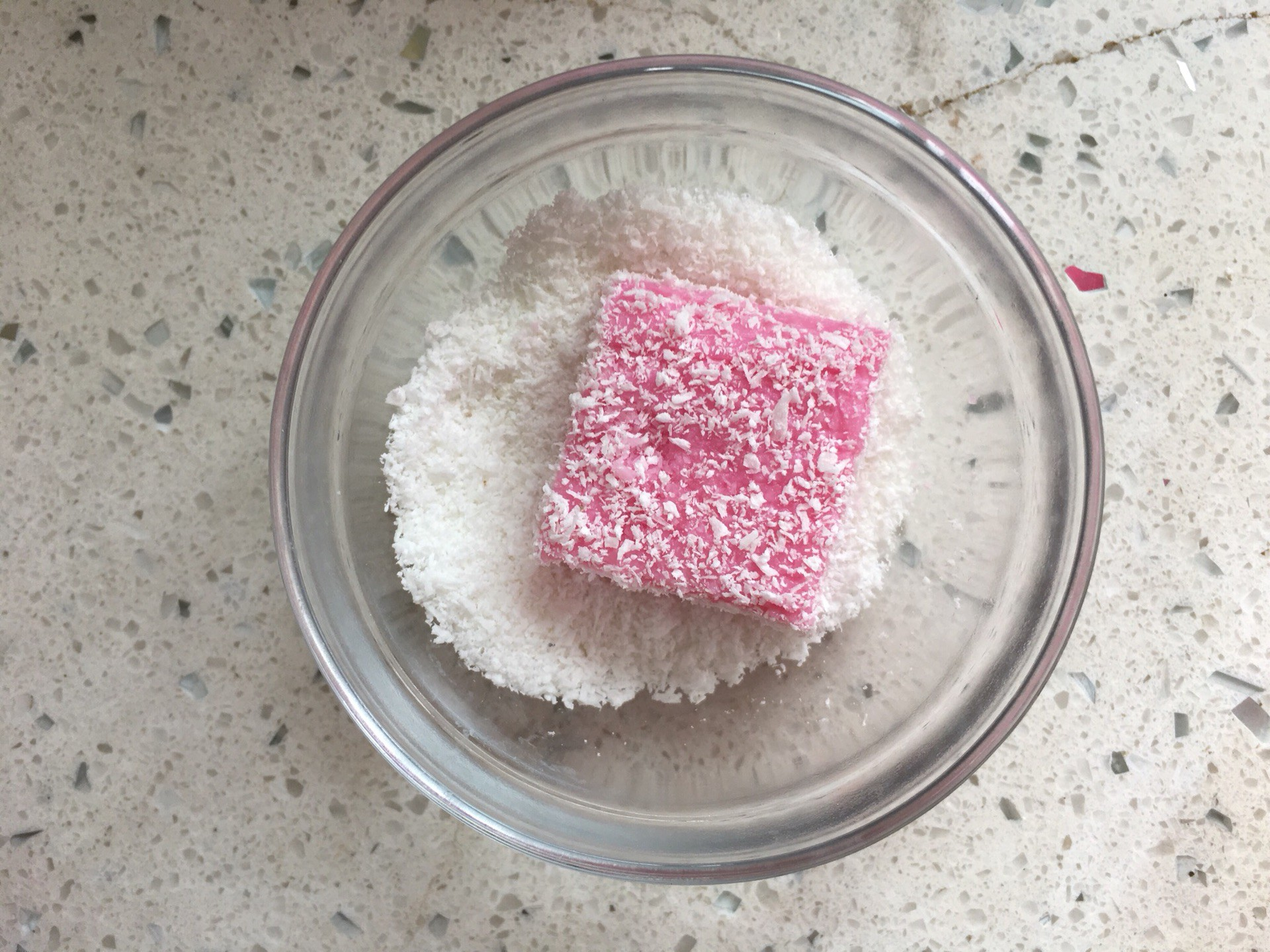 Diễn đàn rao vặt: Bánh thanh long mát lịm cách làm lại vô cùng dễ Yuan83054872c7bd5b27ddfc728fd908c0ee-15377699896241820751011