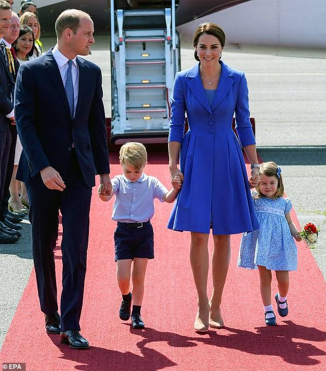 Công nương Kate lại mặc đồ cũ đi ăn cưới: Không hẳn là tiết kiệm mà sâu xa hơn cả là sự tôn trọng cô dâu - Ảnh 3.