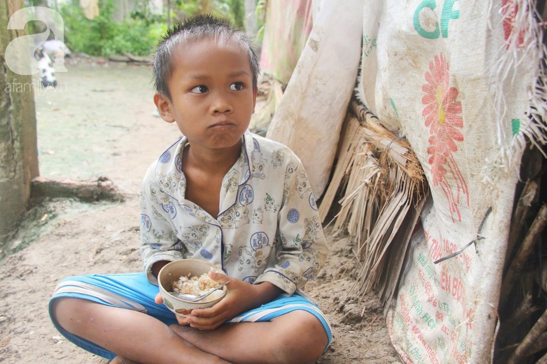 Hai lần đẻ rớt tại nhà, 4 đứa trẻ đói ăn bên người mẹ bầu 8 tháng không thể mượn được 500 ngàn để đi bệnh viện 9