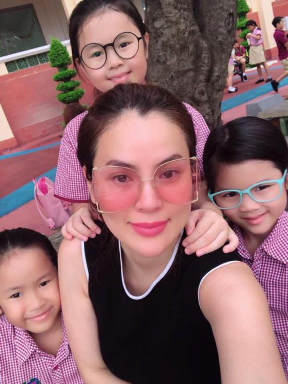 Xem loạt nhóc tỳ nhà sao Việt xúng xính đồng phục dự lễ khai giảng đầu năm học mới - Ảnh 17.