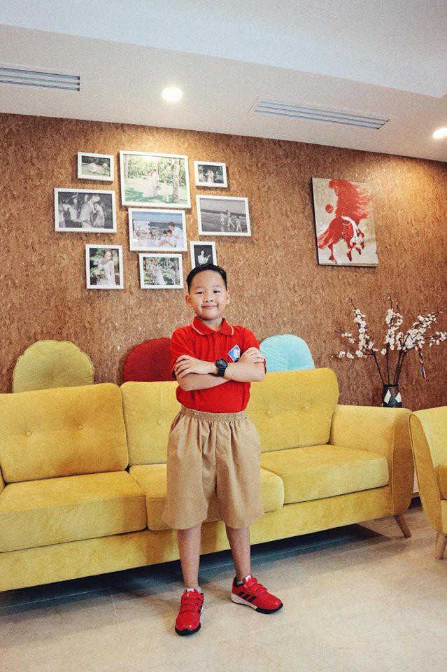 Xem loạt nhóc tỳ nhà sao Việt xúng xính đồng phục dự lễ khai giảng đầu năm học mới - Ảnh 6.