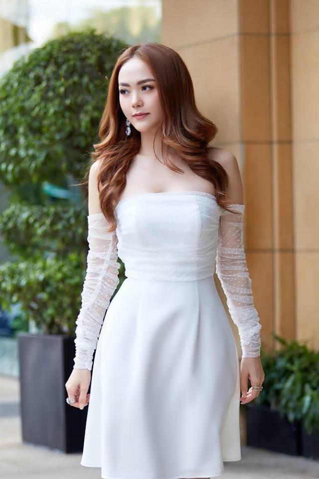 Cùng một chiếc váy: Angela Phương Trinh lồng lộn, Minh Hằng lại quá bánh bèo - Ảnh 1.